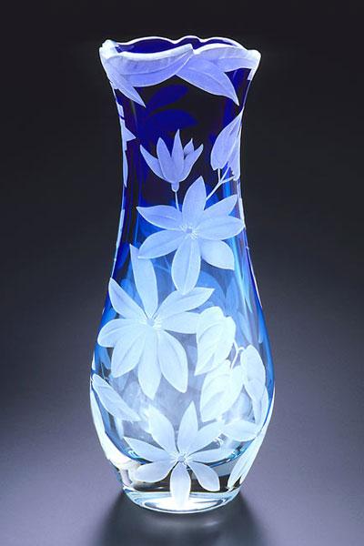 Clematis Vine vase sand carved glass