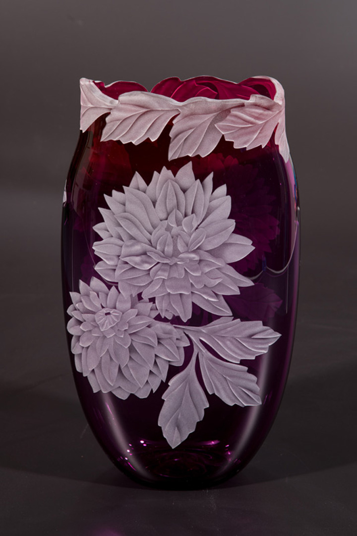 Dahlia's Galore art glass by Cynthia Myers